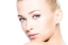 Blepharoplastyka sposobem na opadające powieki
