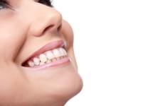 W jaki sposób można pozbyć się diastemy?