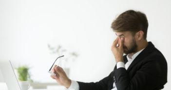 Przyczyny bólu gałek ocznych – nie bagatelizuj objawów!