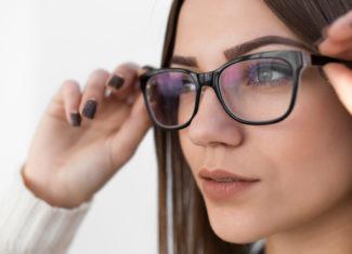 3 rzeczy, które najbardziej szkodzą Twoim oczom