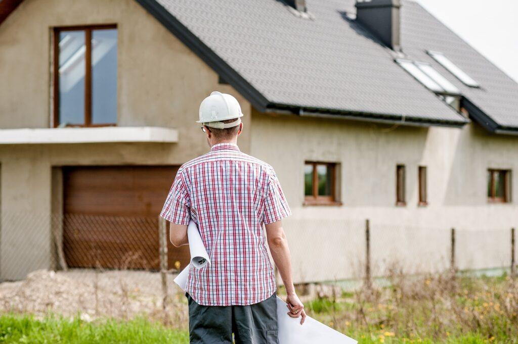 Domy z panelami słonecznymi