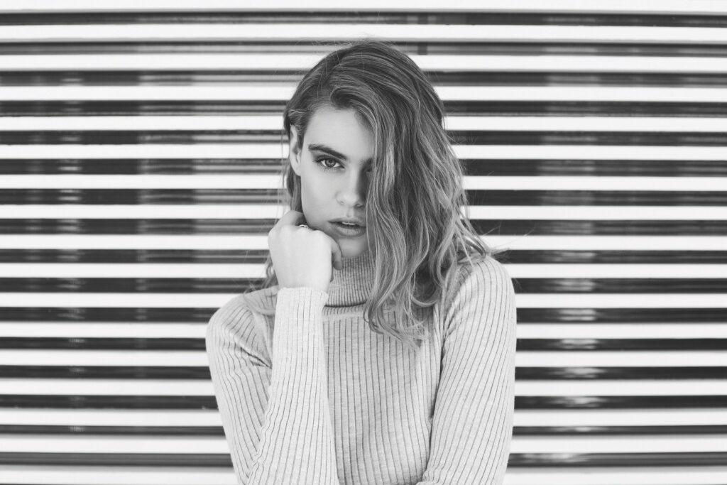 Dlaczego warto nosić luźne ubrania