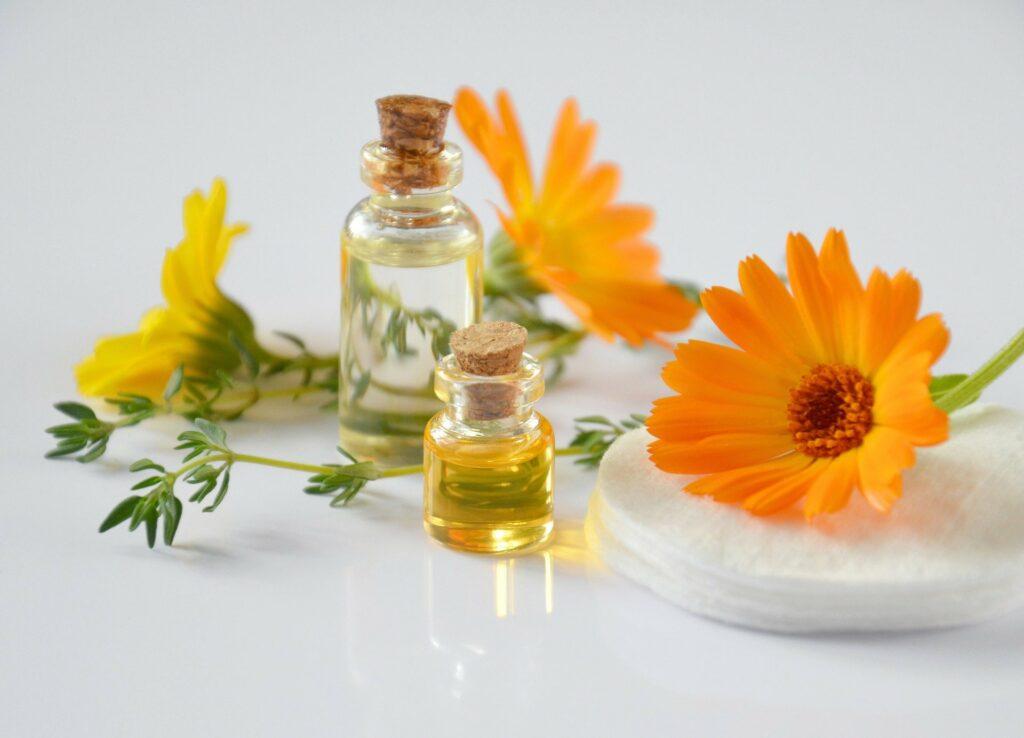 Dlaczego warto stosować oleje do twarzy