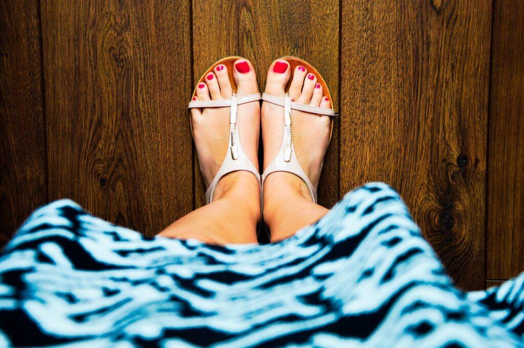 Jak wybrać właściwy rozmiar sandałów