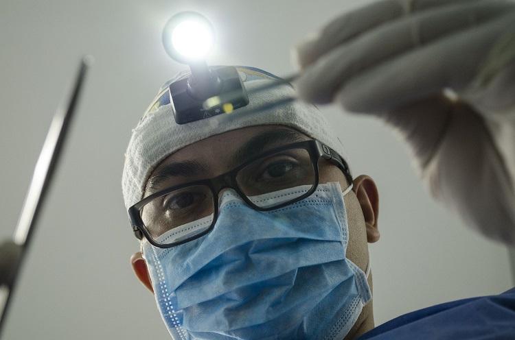 Czy można leczyć zęby w ciąży